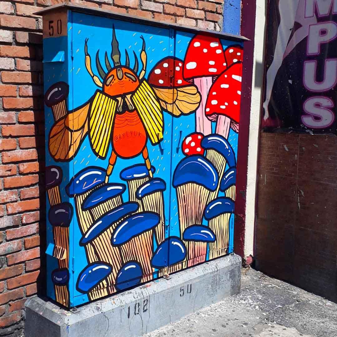 telephone-juction-box-beetle-art-rylyuk-mural